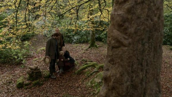 outlander-s05e11-journeycake-720p..mkv_003293123-600x338